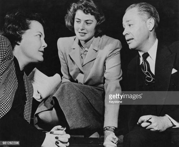 From left to right American stage director Margo Jones Swedish actress Ingrid Bergman and Mexican actor Romney Brent during rehearsals for the...