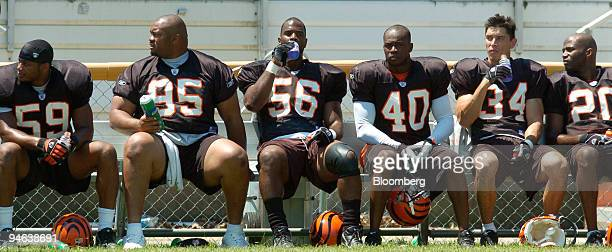 From left to right Cincinnati Bengals' Landon Johnson Sam Adams Brian Simmons Madieu Williams Kevin Kaesviharn and Troy James drink PepsiCo Inc's...