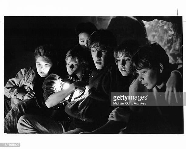From left to right Corey Feldman Martha Plimpton Josh Brolin Kerri Green and Sean Astin in a cave in a scene from the film 'Goonies' 1985