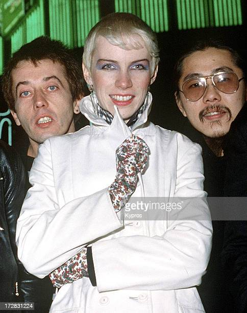 From left to right drummer Jim Toomey singer Annie Lennox and bassist Eddie Chin of The Tourists 1980