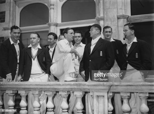 From left to right England Test cricketers Alec Bedser Cyril Washbrook Denis Compton Len Hutton Richard Bebb actor Jack Warner Jim Laker and Godfrey...