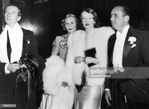From Left To Right English Photographer Cecil Beaton Lady Castlerosse Mary Pickford And Douglas Fairbanks Sr At The Theatre To See Happy Returns In...