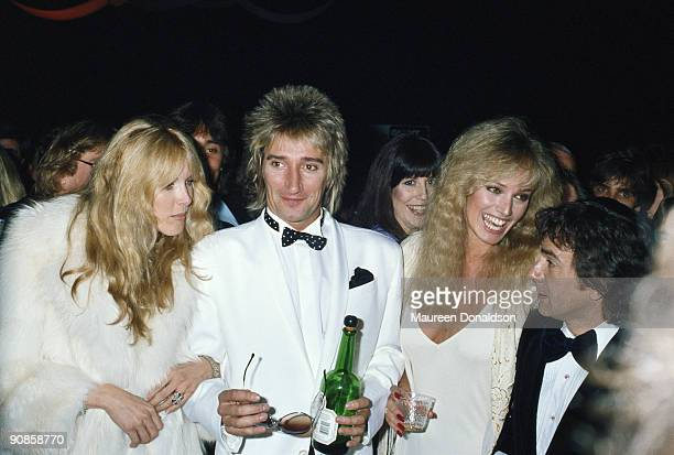 From left to right fashion model Alana Stewart and her husband Rod Stewart actress and singer Susan Anton and her boyfriend comedian Dudley Moore at...