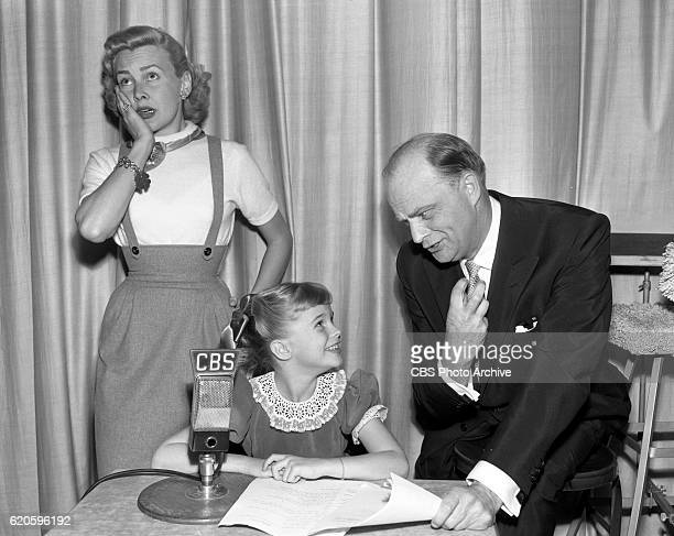 From left to right Frances Bergen six year old Candice Bergen and Edgar Bergen Image dated November 29 1952 Candice makes her very first appearance...