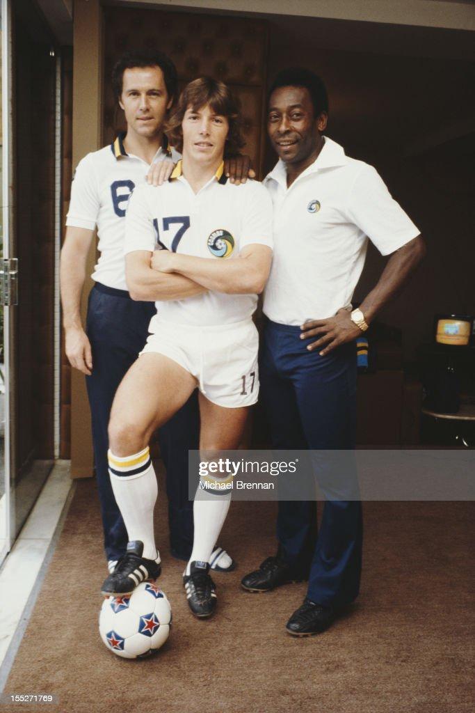 From left to right, German footballer Franz Beckenbauer, American soccer midfielder Rick Davis and Brazilian footballer Pele in Uberlândia, Brazil, June 1979.