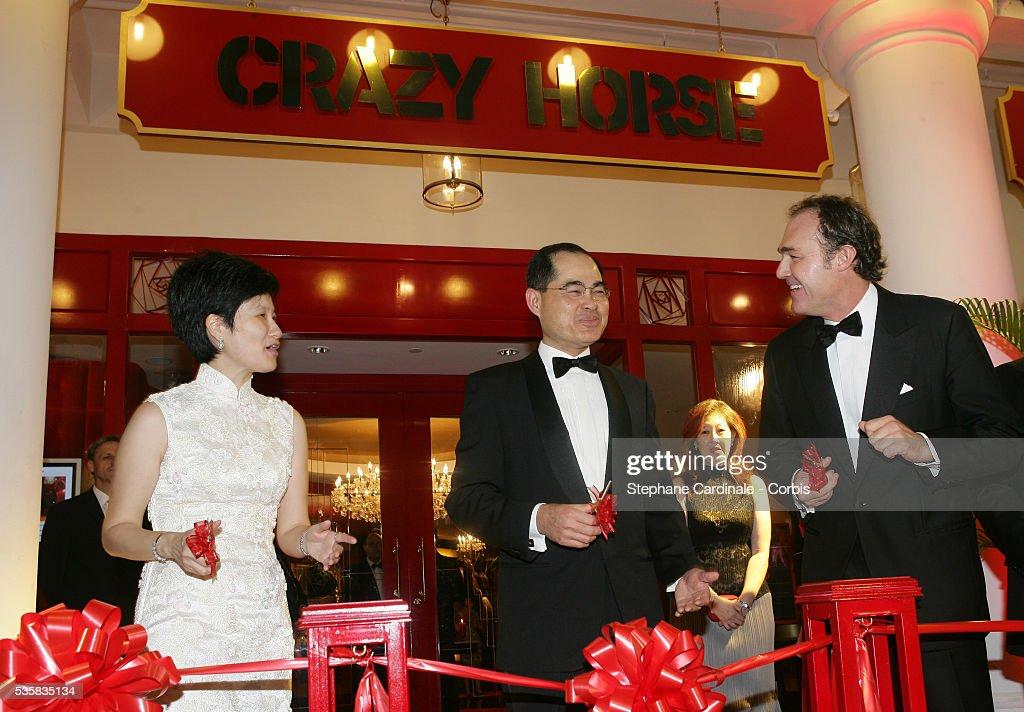 Opening - Crazy Horse - Singapore : News Photo
