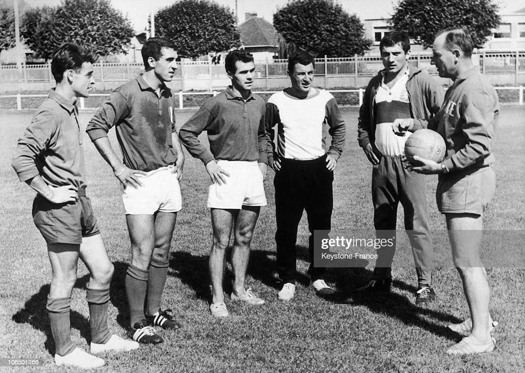 France Football Team 1964 : News Photo