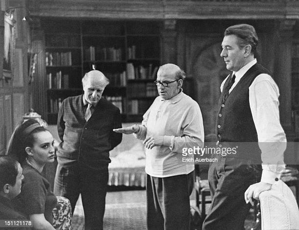From left to right, Jean Brazzi, soprano Helia T'Hezan, Gerald Gover, Jani Strasser and English actor and director Sir Michael Redgrave talking in...
