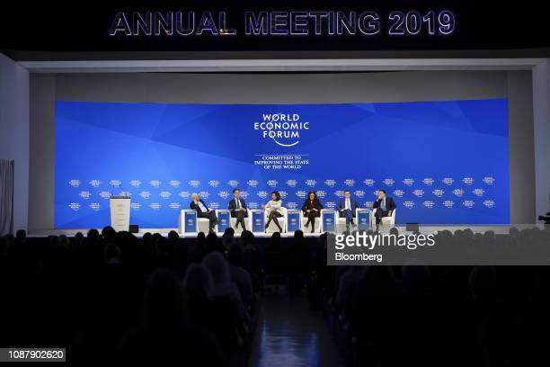 From left to right Klaus Schwab chairman of the World Economic Forum Mark Rutte Dutch prime minister Ana Botin chairman of Banco Santander SA Cecilia...
