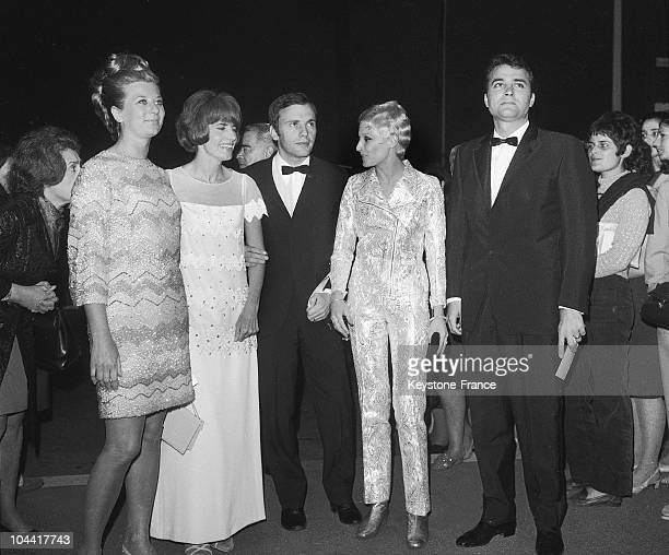 From left to right Mrs GENOVES Nadine TRINTIGNANT JeanLouis TRINTIGNANT Valerie LAGRANGE and the producer Andre GENOVES represented the film MON...