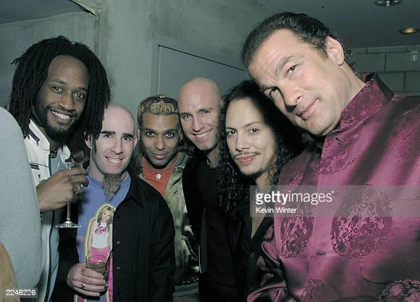 From left to right No Doubt member Stephen Bradley Anthrax member Scott Ian No Doubt bass player Tony Kanal Vertical Horizon member Matt Scannell...