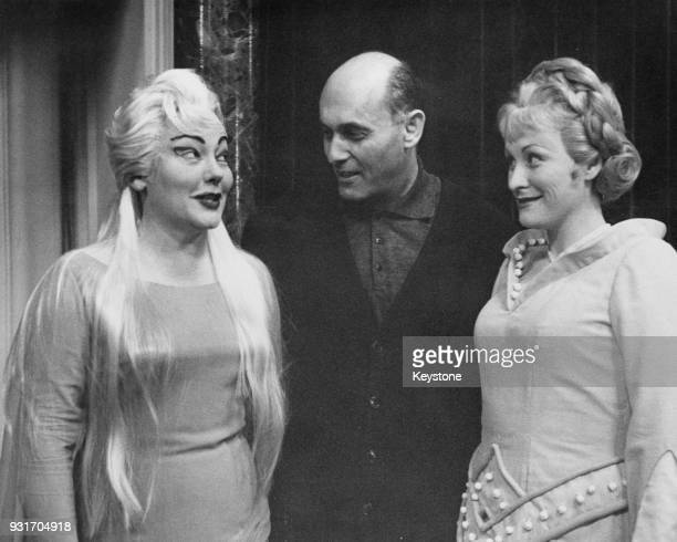 From left to right opera singer Amy Shuard conductor Georg Solti and opera singer Joan Carlyle during rehearsals for Peter Ustinov's Triple Bill of...