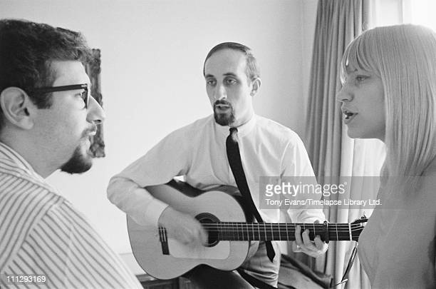 From left to right Peter Yarrow Paul Stookey and Mary Travers of folk trio Peter Paul and Mary 1964