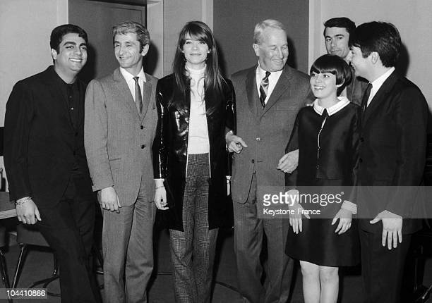 From left to right the French singers Enrico MACIAS Marcel AMONT Francoise HARDY Maurice CHEVALIER Mireille MATHIEU MONTY and Alain BARRIERE in Paris...