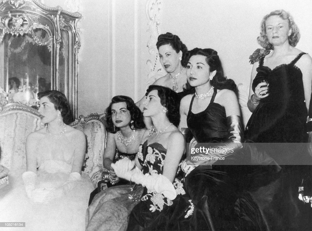 The Royal Family Of Iran Around 1955 : News Photo