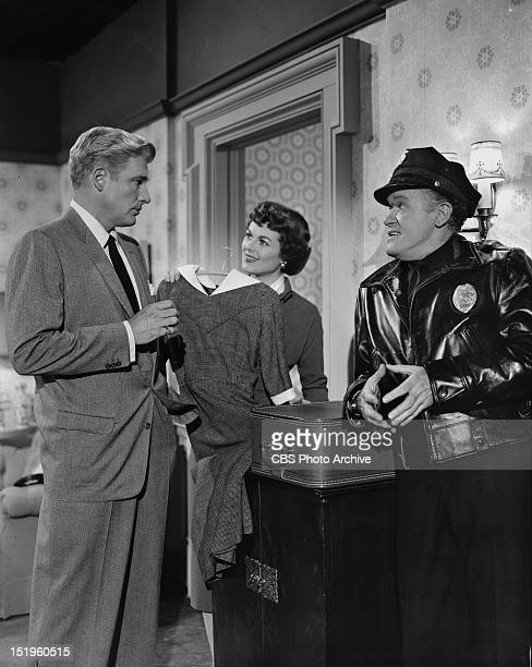 William Hopper Barbara Hale and Frank Sully Episode 'Case of the BlackEyed Blonde' Image dated April 21 1958