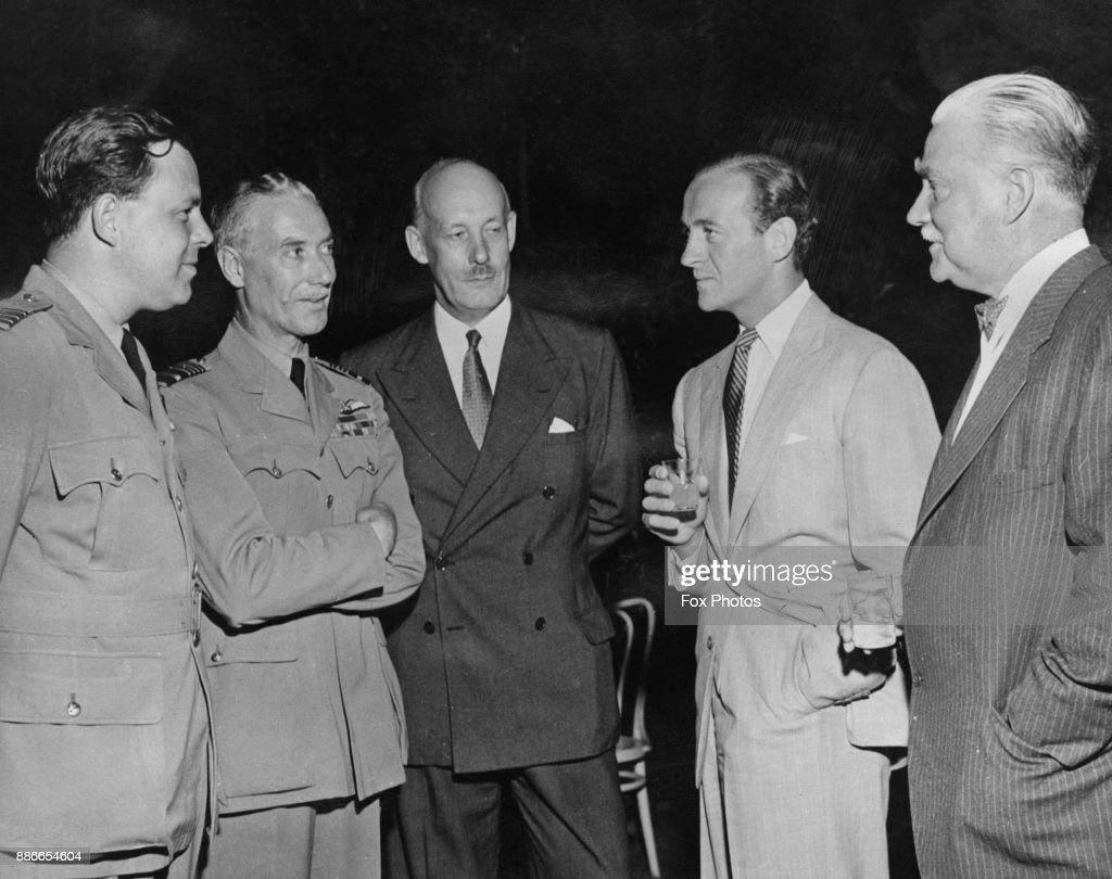 From left to right, Wing Commander Blair, Air Marshal Sir Norman Bottomley (1891 - 1970), British consul John Carvell, and actors David Niven (1910 - 1983) and Nigel Bruce (1895 - 1953), at a reception in the United States to welcome the RAF pilots of Operation Goodwill, 22nd August 1946. The pilots are in the USA at the invitation of General Carl Andrew Spaatz.
