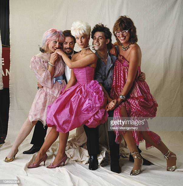From left to right Zandra Rhodes Tim Curry Paula Yates Bob Geldof and Janet StreetPorter attend a performance of 'The Pirates of Penzance' at the...