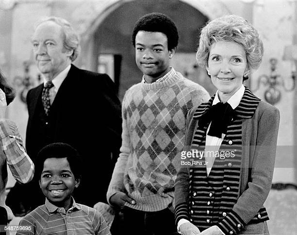 From left view of Canadian actor Conrad Bain American actors Gary Coleman and Todd Bridges and US First Lady Nancy Reagan on the set of the...