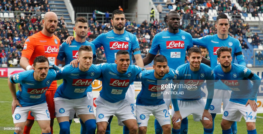 From lefto to right, up line: Napoli's Spanish goalkeeper... : News Photo