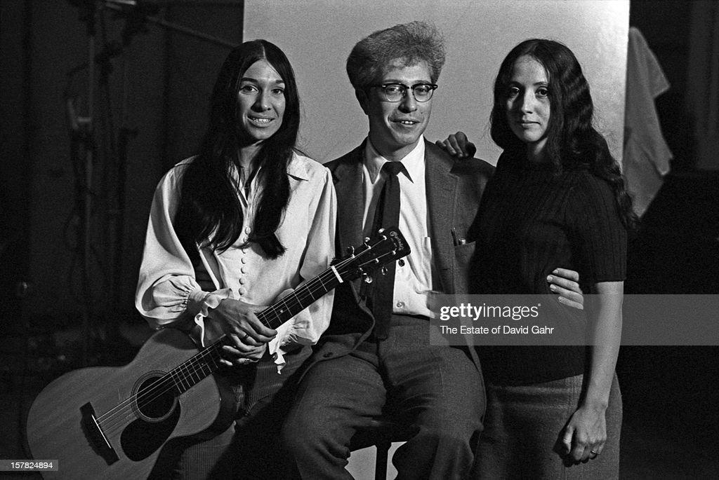Buffy Sainte-Marie, Maynard Solomon, Maria Muldaur At Vanguard Records : News Photo
