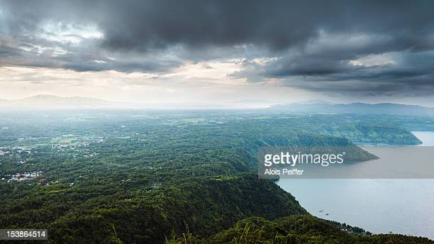 from mt maculot - taal foto e immagini stock