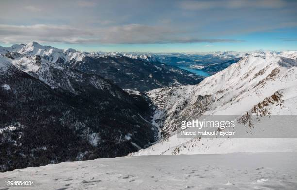 from the summit of the ratelle, the breathtaking view of serre-ponçon lake , hautes alpes, france - embrun stock pictures, royalty-free photos & images