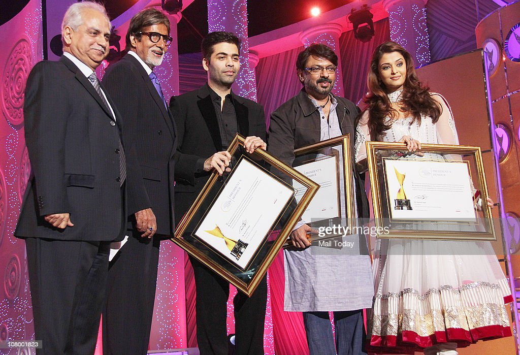 FromRamesh Sippy Amitabh Bachchan Karan JoharSanjay Leela Bhansali and Aishwarya Rai Bachchan at the Chevrolet Apsara Awards in Mumbai