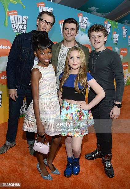 Front actresses Riele Downs Ella Anderson back Jeffery Brown Cooper Barnes and Sean Ryan Fox of Henry Danger attend Nickelodeon's 2016 Kids' Choice...