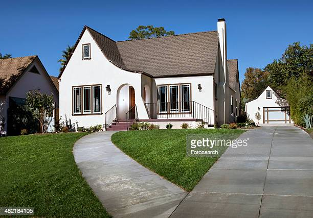 front exterior of cottage - pasadena stock pictures, royalty-free photos & images