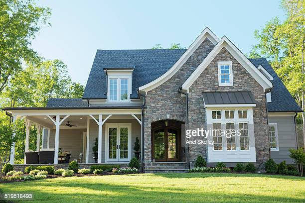 front lawn of suburban house - buildings stock pictures, royalty-free photos & images