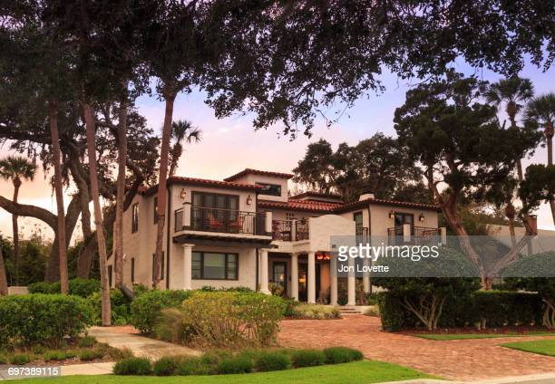 front of home in mediterranean style - gulf coast states stock pictures, royalty-free photos & images