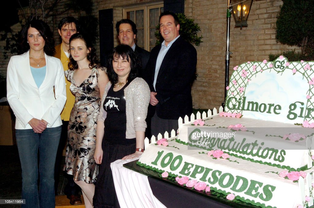 Lauren Graham, Alexis Bledel and Amy Sherman, executive producer Back Row: Daniel Palladino, executive producer, Peter Roth, president of Warner Bros. Television, and David Janollari, president of WB Entertainment