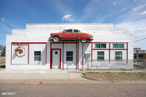 front side of pontiac bar - rainer grosskopf foto e immagini stock