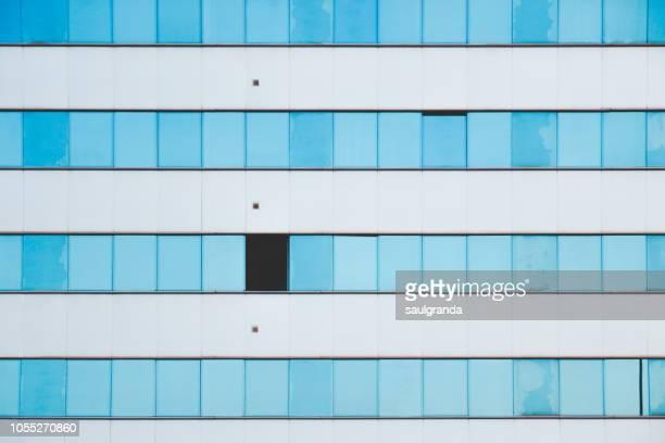 front view of a residential building facade - gijón - fotografias e filmes do acervo