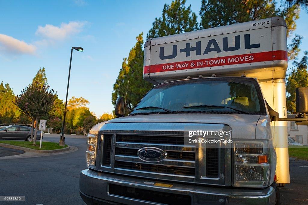 Uhaul Truck : News Photo