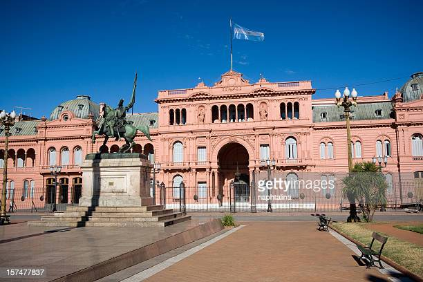 front view of case rosado in buenos aires - buenos aires stock pictures, royalty-free photos & images