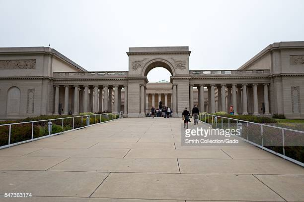 Front view of the Legion of Honor art museum in the Lands End neighborhood of San Francisco, with the inscription Honneur et Patrie visible, on an...