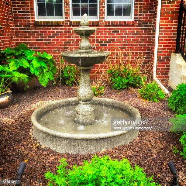 front yard fountain - fountain stock pictures, royalty-free photos & images