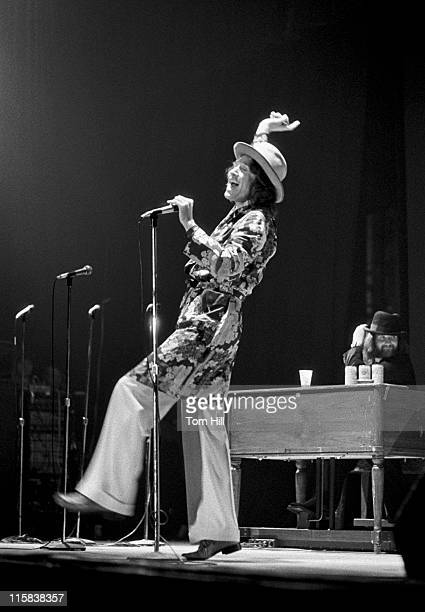 Frontman Ray Davies of The Kinks performs at The Municipal Auditorium on April 30 1975 in Atlanta Georgia