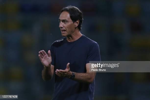 Frosinone Calcio head coach Alessandro Nesta gestures during the Serie B match between Frosinone Calcio and Benevento Calcio at Stadio Benito Stirpe...