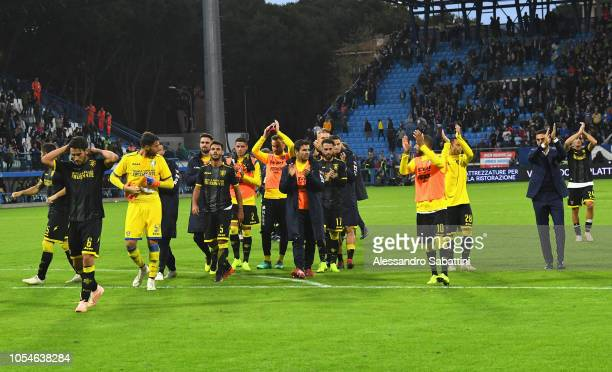 Frosinone Calcio players celebrate the victory afte the Serie A match between SPAL and Frosinone Calcio at Stadio Paolo Mazza on October 28 2018 in...