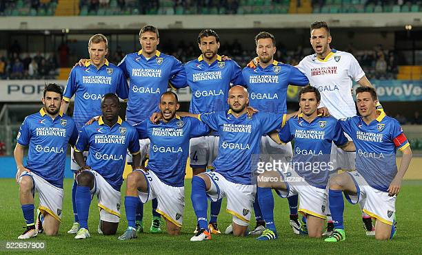 Frosinone Calcio team line up before the Serie A match between AC Chievo Verona and Frosinone Calcio at Stadio Marc'Antonio Bentegodi on April 20...