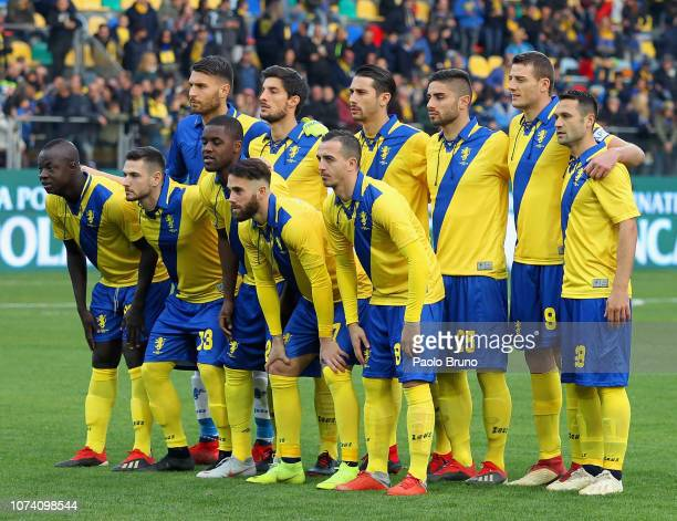 Frosinone Calcio team poses during the Serie A match between Frosinone Calcio and US Sassuolo at Stadio Benito Stirpe on December 16 2018 in...