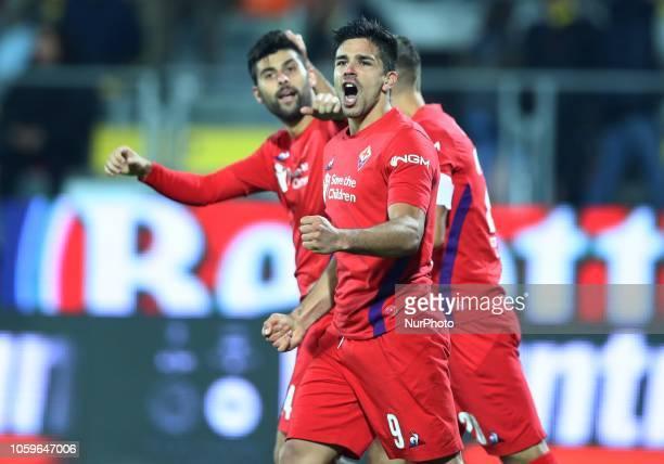 Frosinone v ACF Fiorentina Serie A Giovanni Simeone of Fiorentina celebrates with Marco Benassi scorer of the goal of 01 at Benito Stirpe Stadium in...