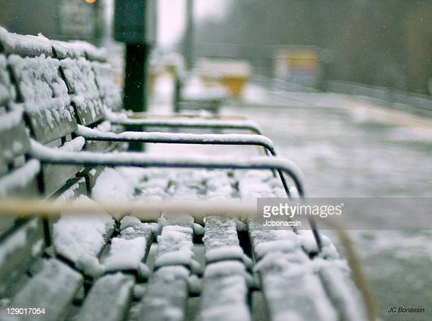 frozen bench - jcbonassin stock pictures, royalty-free photos & images
