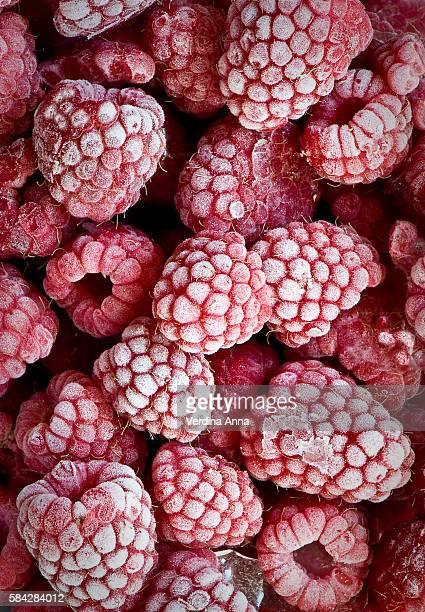 frozen berries - frozen foto e immagini stock