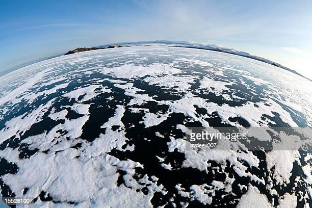 lago ghiacciato - fish eye foto e immagini stock
