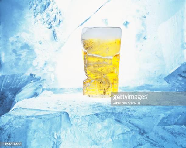 frozen pint - 冷凍庫 ストックフォトと画像