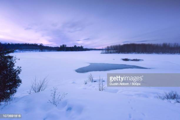 frozen wasteland - dustin abbott stock pictures, royalty-free photos & images